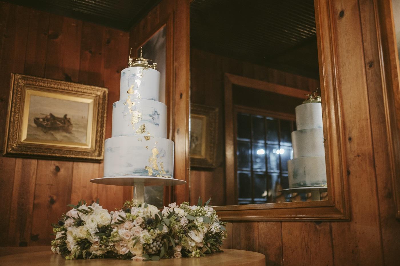 Wedding cake in the Piano Bar