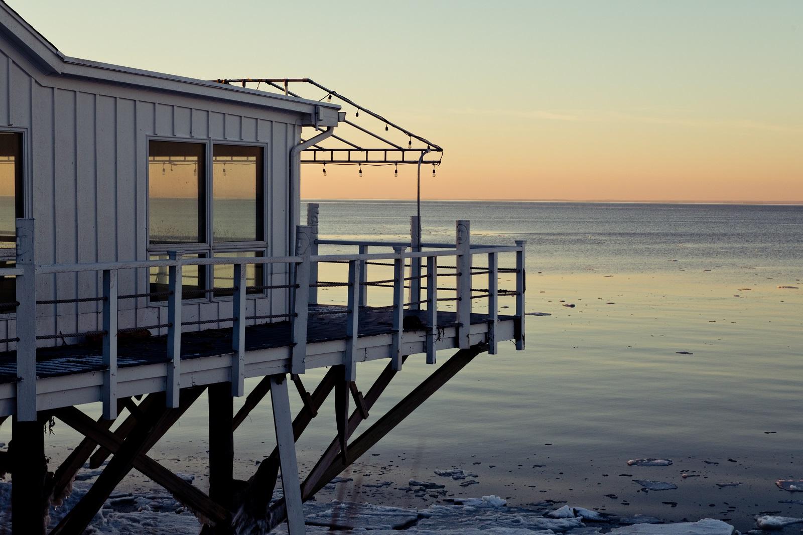 Waterfront Halyard Restaurant exterior