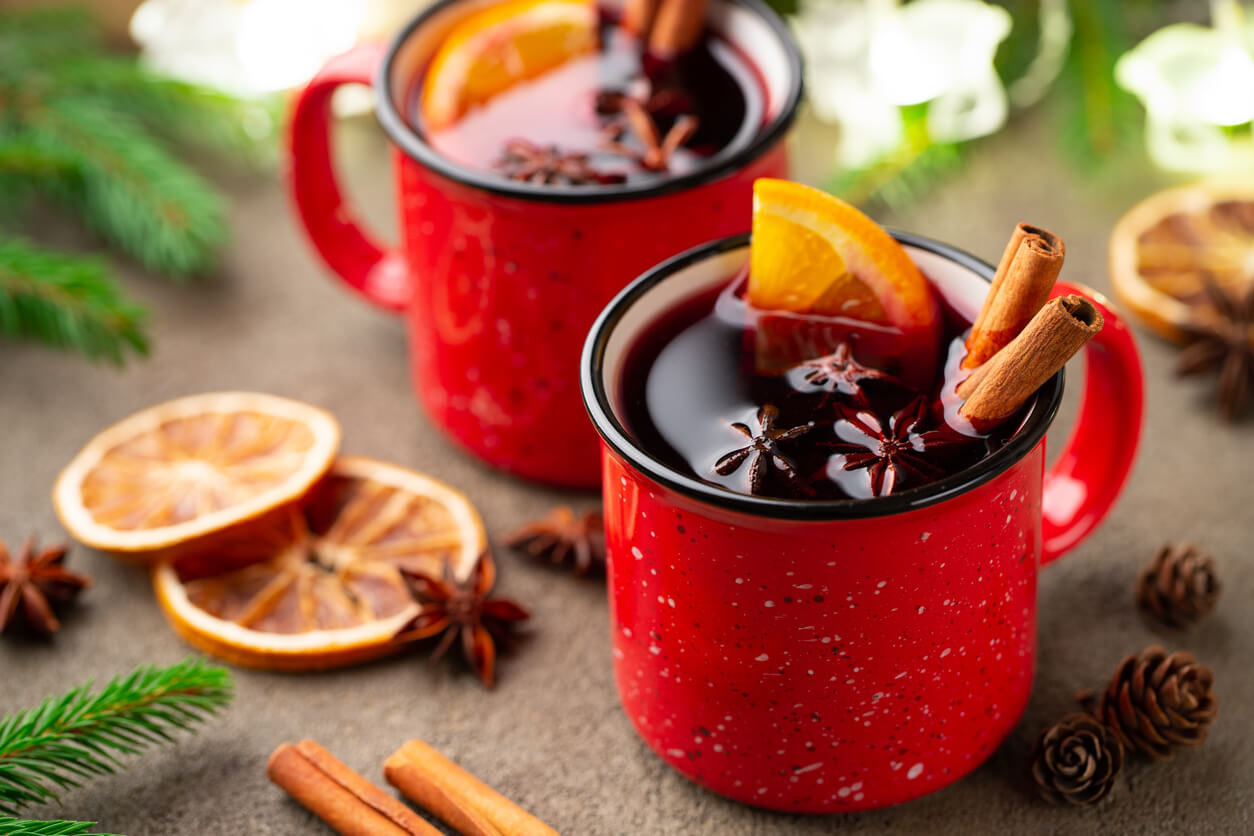 Holiday Mulled Wine Drinks