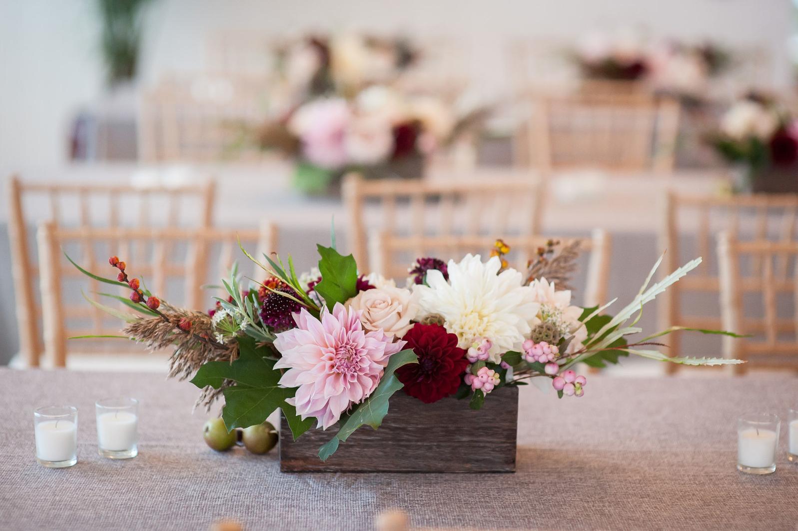 Wedding floral arrangement centerpiece